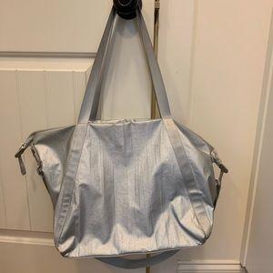 Gap, gym bag